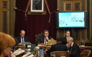 Bilbao mantiene a Mario Fernández como Ilustre tras un tenso debate