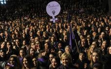 1.450 euros en multas por poner carteles en Vitoria y divulgar la huelga del 8 de marzo