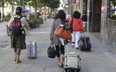 El Gobierno vasco prohíbe los pisos turísticos en Vitoria hasta que el Ayuntamiento los regule