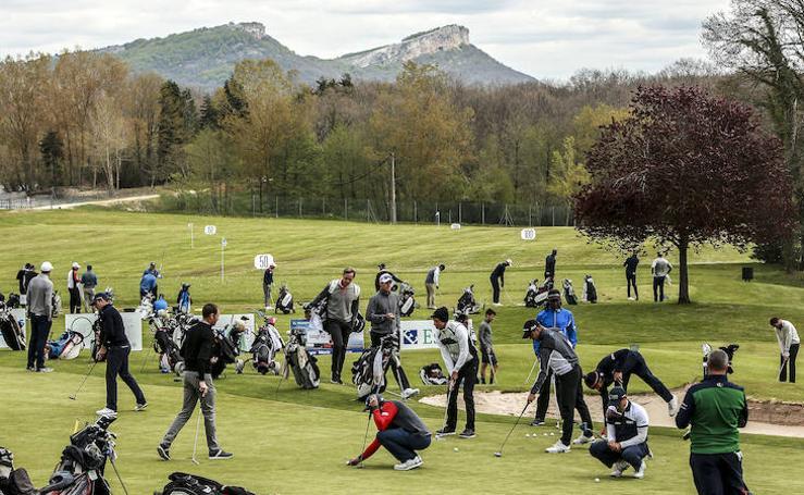 El torneo internacional de golf Challenge Tour pone a Izki y a la Montaña Alavesa en el mapa europeo