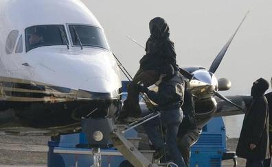 ETA se disolvió en el aeropuerto de Biarritz