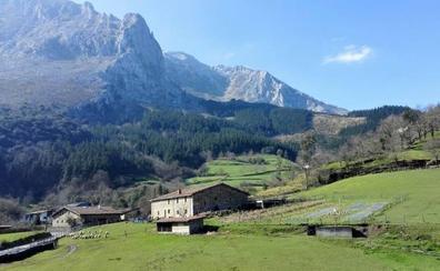 Atxondo: el caserío de la Suiza vasca