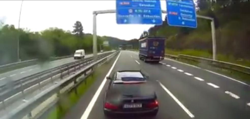 Incidente en el corredor del Txorierri entre un coche y un camión por un adelantamiento