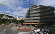 La Universidad de Deusto reforma las fachadas de la biblioteca 9 años después de su apertura