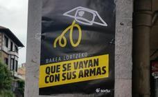 «Que se vayan con sus armas»: Aparecen en Galdakao carteles contra la Guardia Civil