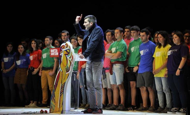 Sortu reúne a 4.000 personas en Miribilla