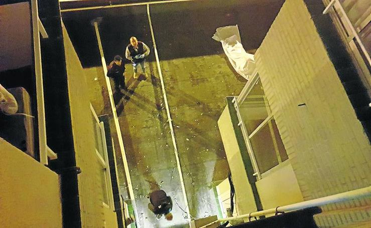 Muere una joven tras caer desde un piso 15 al intentar acceder a su casa por una ventana