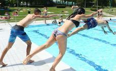 Las piscinas de Mendizorroza abren este viernes