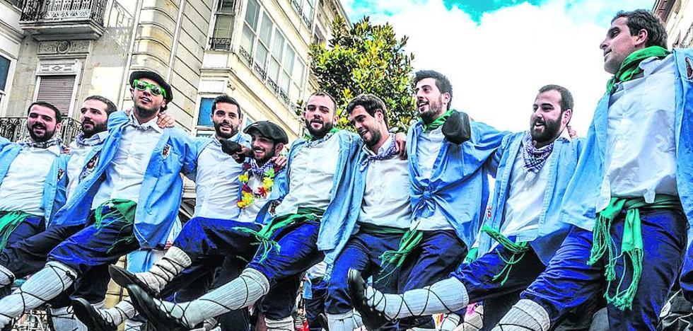 Los blusas creen que el Ayuntamiento les plantea obligaciones «difíciles de cumplir»
