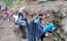 Las trincheras de Lemoa atraen a arqueólogos profesionales