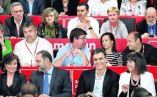 Sánchez promete a sus barones que no hará concesiones a los independentistas