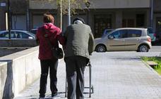 Plan de pensiones y 15 días de descanso para los 17.491 vizcaínos que cuidan de un familiar