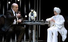 Concha Velasco y Antonio Resines se van de 'funeral' en las fiestas de La Blanca