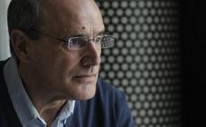 El exconsejero vasco Rafael Bengoa sopesa la oferta de Sánchez para dirigir Sanidad