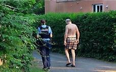 Un ladrón deja en ropa interior al líder ultraderechista alemán