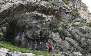 Fallece una montañera de Zaramillo tras caer en la ruta del Cares