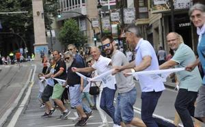 El soberanismo moviliza a decenas de miles de vascos en favor del derecho a decidir