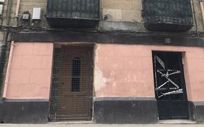 Desalojado un inmueble de Linares Rivas por el derrumbe de su escalera