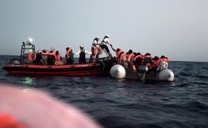 Bruselas se pone de perfil y elude criticar a Italia por rechazar al 'Aquarius'