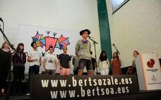 El bertsolari durangués Gorka Pagonabarraga gana el Interescolar de Euskal Herria