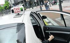 Los taxistas de Bilbao cuidarán su aspecto y no comerán ni beberán de servicio
