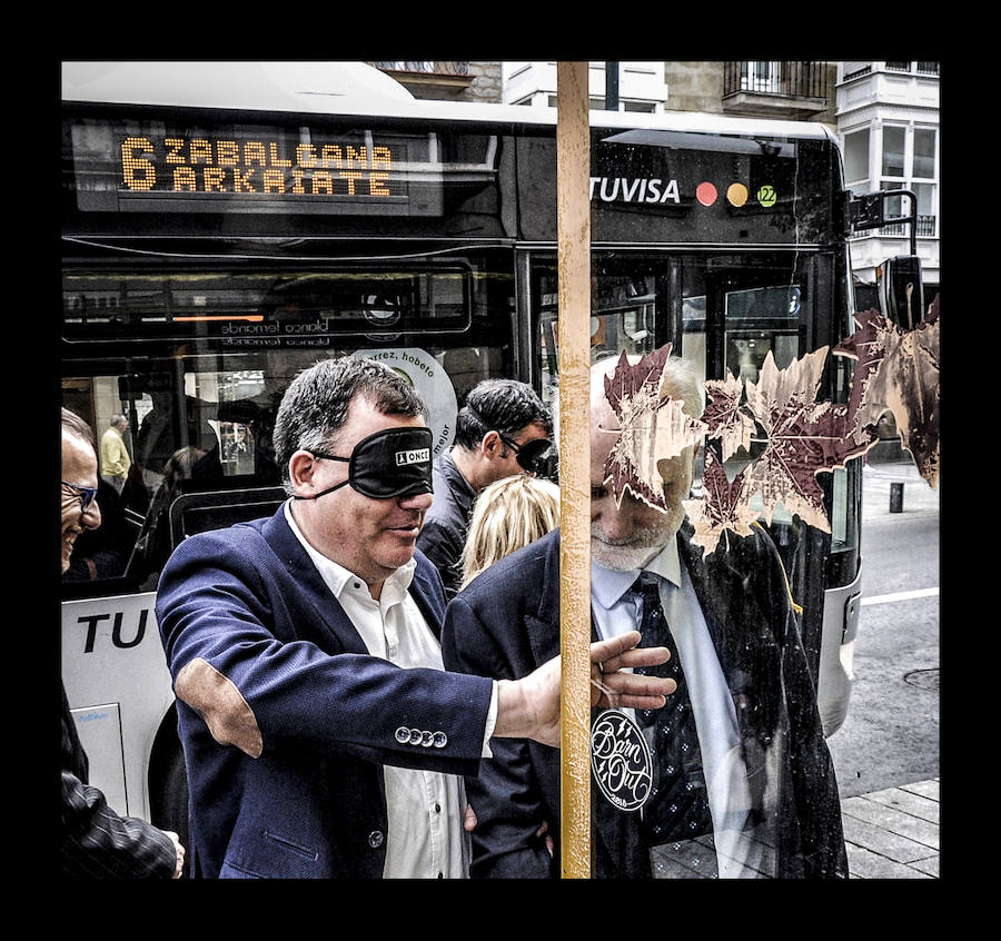 Los responsables del transporte público alavés viajan a ciegas