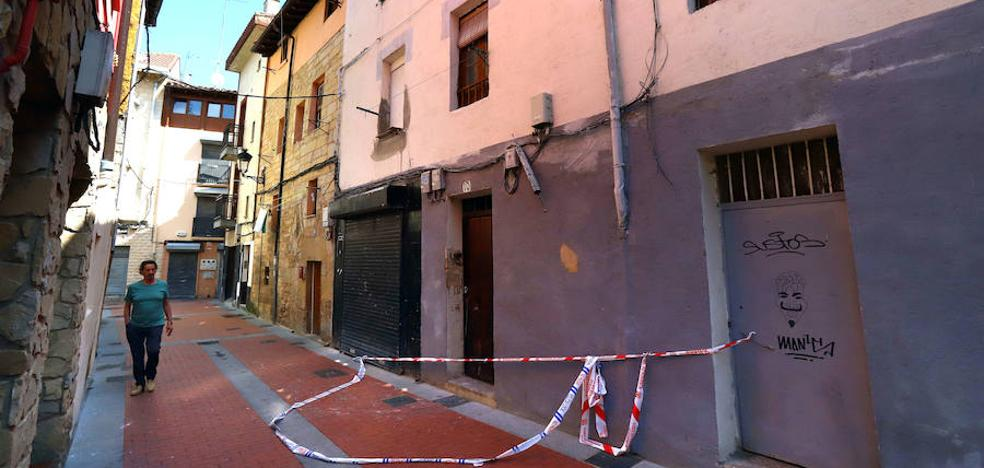 El Ayuntamiento ordenará la demolición del edificio incendiado de la calle La Cruz