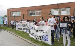 Los padres de Asti Leku, encargados de vigilar a los alumnos por un conflicto laboral