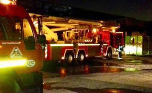 Incendio en un pabellón abandonado del polígono industrial de Ali-Gobeo