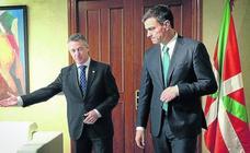 Sánchez cita a Urkullu y evita a Torra en su primera reunión con los líderes autonómicos