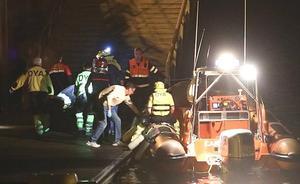 Un vecino de Castro pierde la vida tras caer al mar desde su embarcación