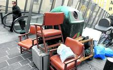 Urtaran anuncia que se desconvoca la huelga de limpieza en Vitoria