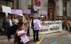 Denuncian los obstáculos de Lanbide para dar la RGI a víctimas de maltrato