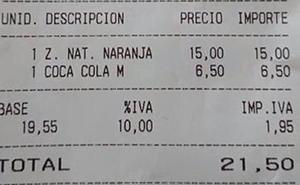 El «sablazo» de 15 euros que cobraron por un zumo de naranja en un bar de Mallorca