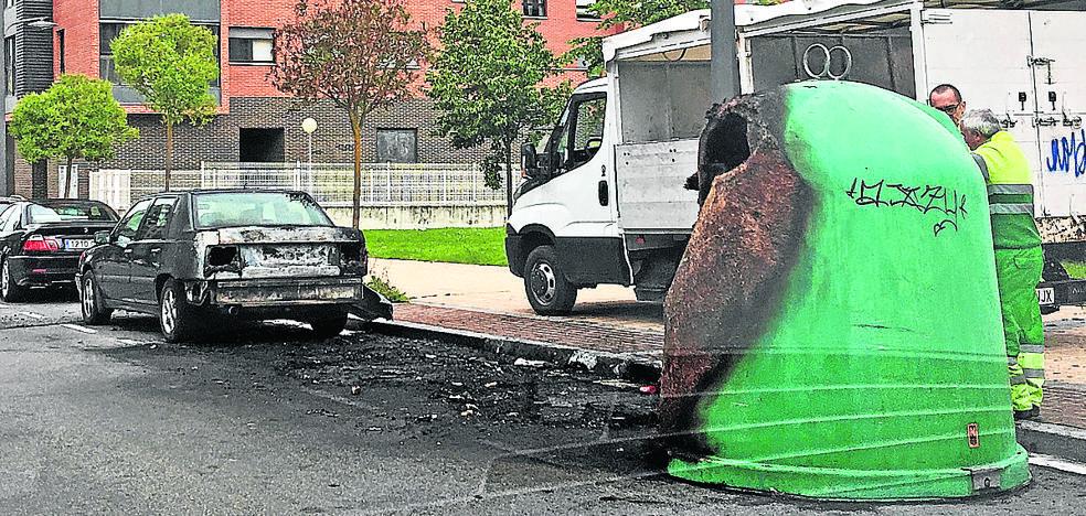 Cuatro ataques con fuego en un mes en el barrio vitoriano de Zabalgana