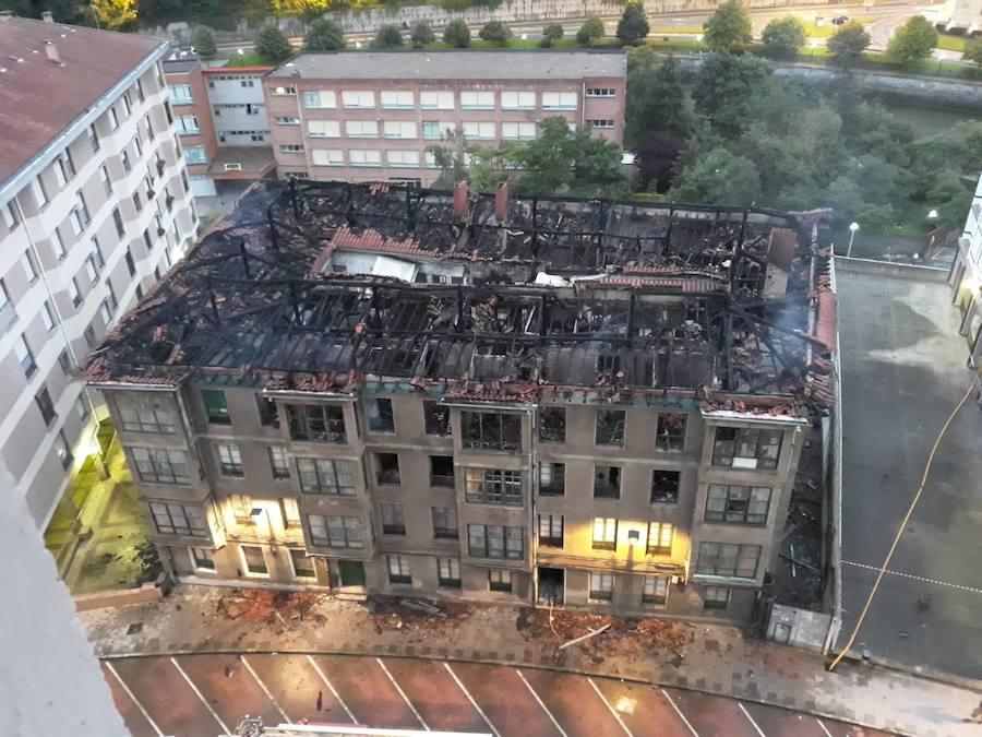 Ondarroa ordena el derribo de las 'casas de Ortiz' arrasadas por un voraz incendio