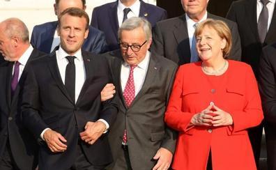Juncker convoca una cumbre extraordinaria el domingo sobre inmigración
