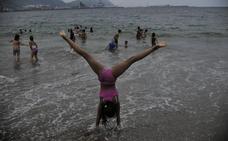 El verano en Euskadi tendrá un poco de todo: sol, sirimiri y alguna galerna