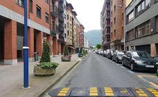 Etxebarri presenta el proyecto para peatonalizar la calle Egetiaga Uribarri