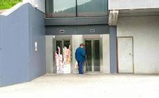 Los vándalos atacan un ascensor urbano de Trapagaran por tercer a vez en un año