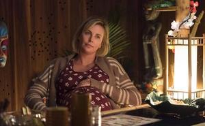 Charlize Theron: «Cuando estoy más ocupada recurro a mi madre»