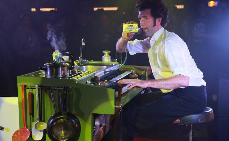 The Yelling Kitchen mezcló teatro, música y cocina de tortitas en el Azkena Rock