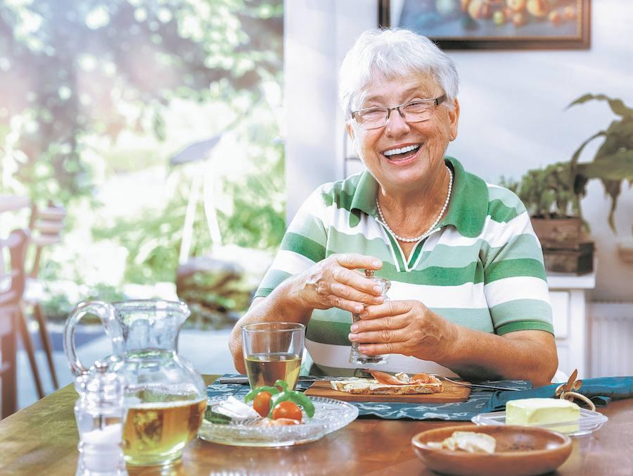 Nutrición: De mayores, sólo cuatro comidas al día