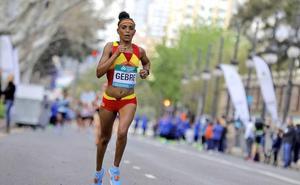 Trihas Gebre bate su récord de España de medio maratón con 69:50