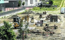Zabalgana estrenará en septiembre los dos parques infantiles integrados en la naturaleza
