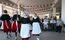 Eusko Lorak pone ritmo a la tradición