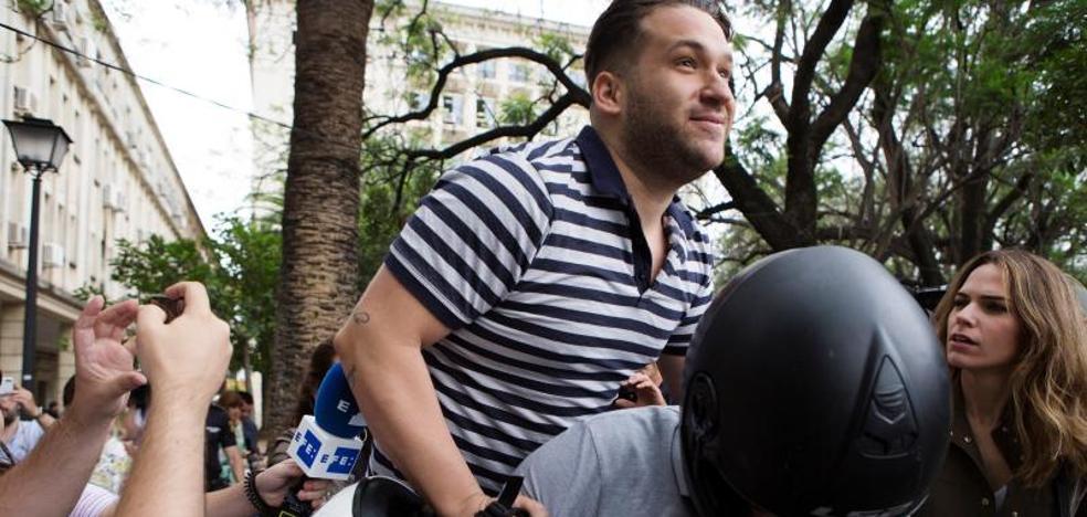 José Ángel Prenda, el segundo de 'La Manada' en presentarse en los juzgados