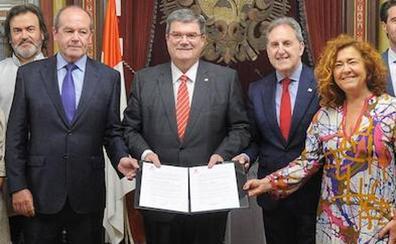 Aburto y el PSE firman el pacto para revitalizar los barrios de Bilbao y critican a la oposición
