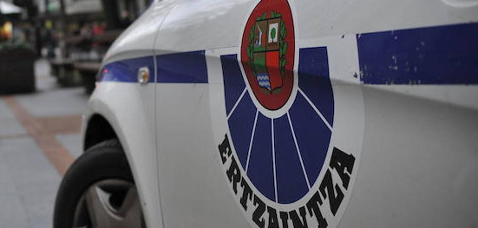 La Ertzaintza sorprende a un menor de 13 años robando en un banco en Santutxu