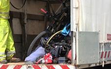 Un conductor ebrio mata a un matrimonio vasco que hacía el Camino en bici con su hijo